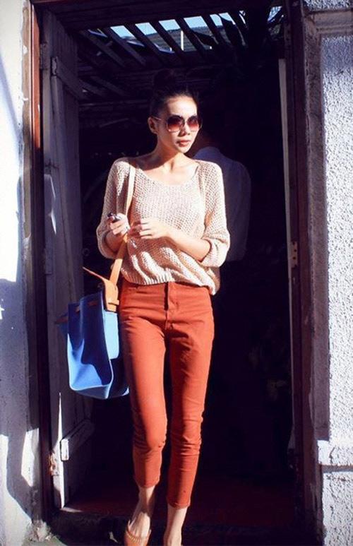 'Soi' BST quần jean màu của Thanh Hằng - 20