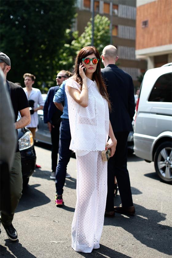 Quyến rũ và hiện đại như street style tháng 8 của phái đẹp châu Âu 6