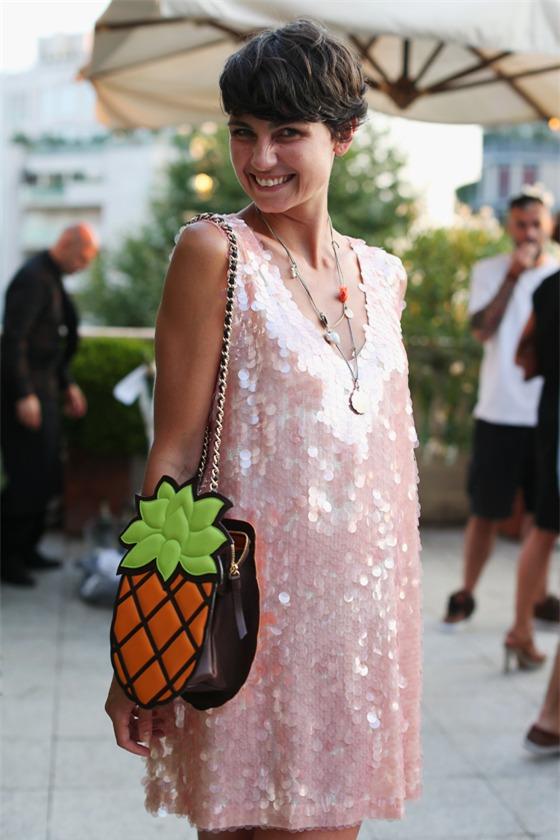 Quyến rũ và hiện đại như street style tháng 8 của phái đẹp châu Âu 13