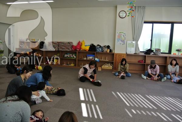 """""""Đột nhập"""" lớp dạy cách chơi với con cực hay của mẹ Nhật tại Tokyo 7"""
