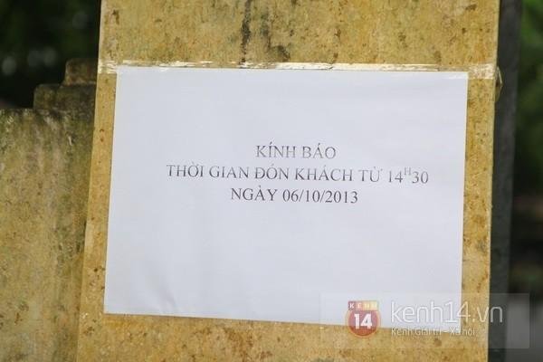 Từ tờ mờ sáng nay, người dân Hà Nội đã đến khóc thương Đại tướng 32