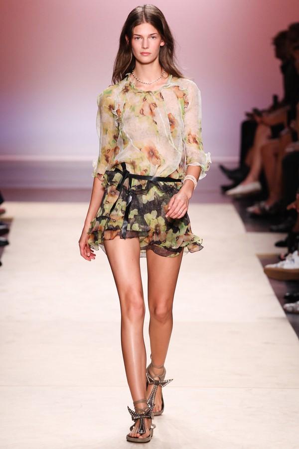 Loạt xu hướng xưa cũ quay trở lại tại Paris Fashion Week 18