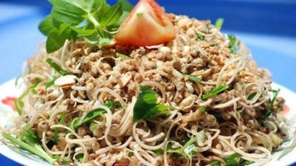 Mê hoặc món ấu trùng đậm chất Việt