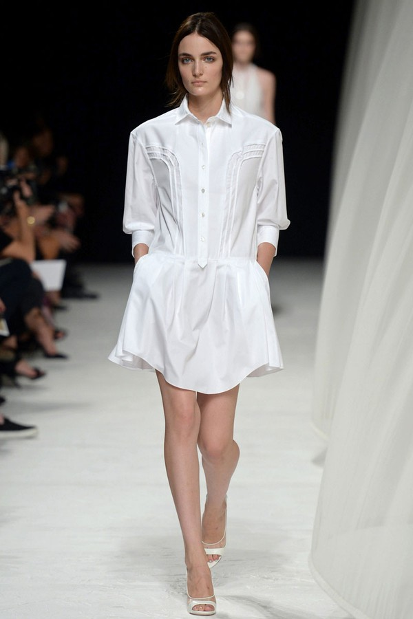 Loạt xu hướng xưa cũ quay trở lại tại Paris Fashion Week 29