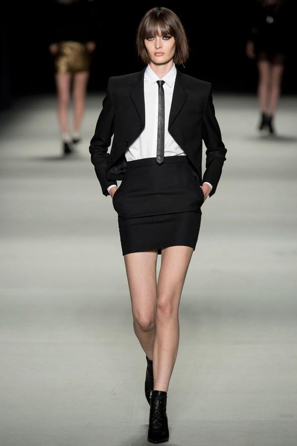 Loạt xu hướng xưa cũ quay trở lại tại Paris Fashion Week 30