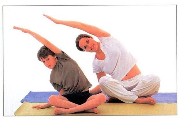 Các bài khởi động cho bé trước khi tập yoga  5