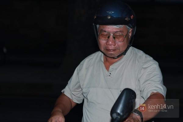 Từ tờ mờ sáng nay, người dân Hà Nội đã đến khóc thương Đại tướng 6