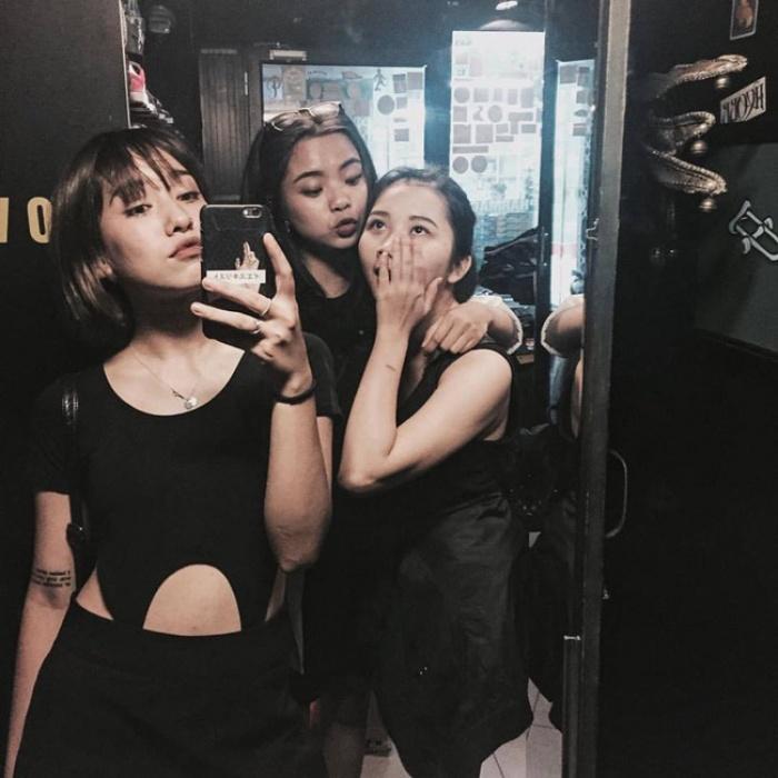 6 cô nàng hot girl Việt đang lăng xê tích cực phong cách gợi cảm - Ảnh 14.