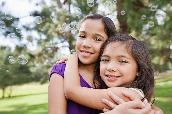 6 gợi ý tuyệt vời dạy con biết chia sẻ và yêu thương 1