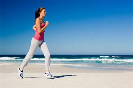 Khi tập thể dục không nên trang điểm.