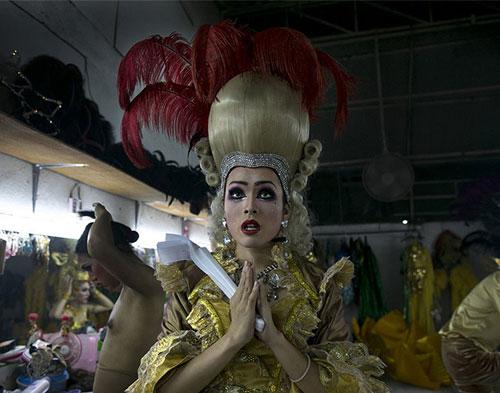 Du lịch Thái: Vũ công chuyển giới làm gì sau cánh gà? - 4