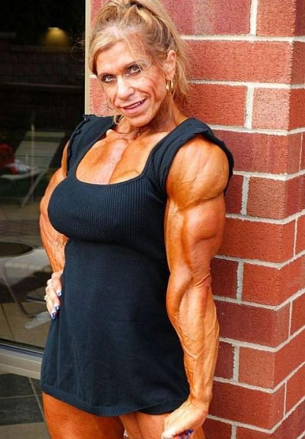 """Choáng với thân hình biến dạng khủng khiếp của những người """"cuồng"""" gym 25"""