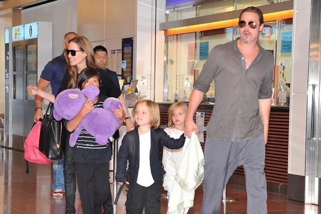 Những chuyến du lịch đáng nhớ của Angelina Jolie - Brad Pitt