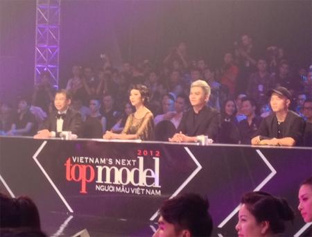 Bốn vị giám khảo