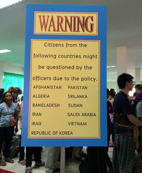 """Du khách Việt """"nóng mặt"""" vì bị kỳ thị - 1"""