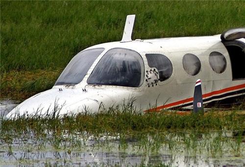 Máy bay có người Việt lao xuống sông tại Lào, 44 người chết