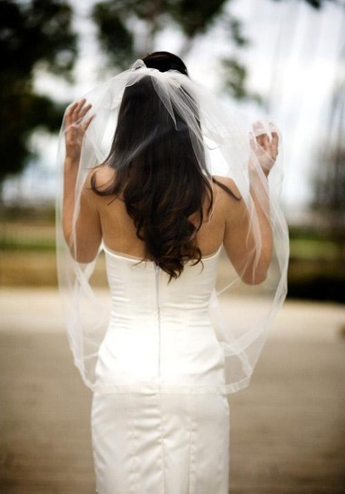 Váy cưới tôn lưng thon mềm mại lên ngôi mùa thu - 3