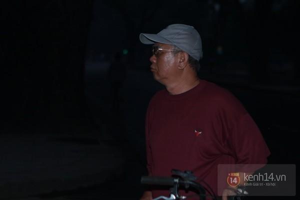 Từ tờ mờ sáng nay, người dân Hà Nội đã đến khóc thương Đại tướng 8
