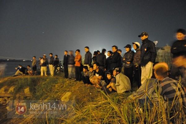 Đêm thứ 6 nằm dưới lòng sông, đội cứu hộ vẫn chưa tìm thấy thi thể chị Huyền 3