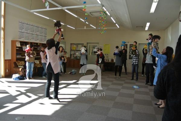"""""""Đột nhập"""" lớp dạy cách chơi với con cực hay của mẹ Nhật tại Tokyo 2"""