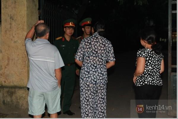 Từ tờ mờ sáng nay, người dân Hà Nội đã đến khóc thương Đại tướng 7