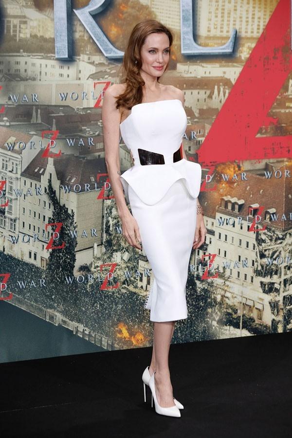 """Little White Dress - chiếc váy """"quyền lực"""" của phái đẹp Hè 2013 31"""