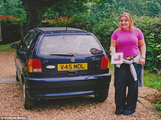 Hình ảnh cô Jeorgia Wood phát tướng năm 17 tuổi.