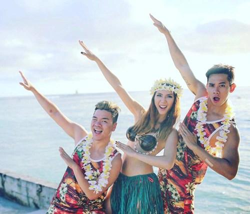 Ngọc Quyên khoe thân hình bốc lửa bên biển Hawaii