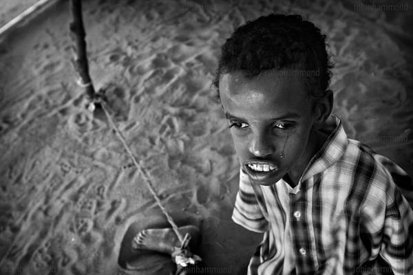 Bộ ảnh nhói lòng về một châu Phi của người tâm thần 14