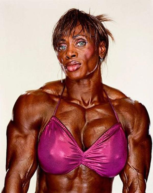 """Choáng với thân hình biến dạng khủng khiếp của những người """"cuồng"""" gym 28"""