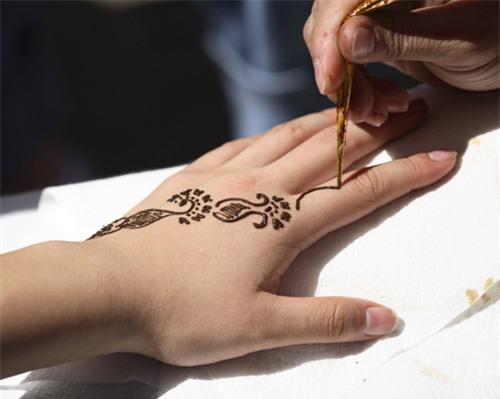 Henna-tattoo-4974-1388462810.jpg