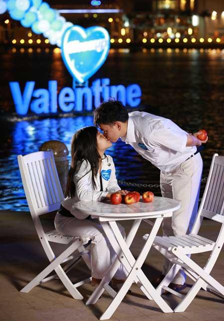 Các cặp đôi đi đâu ngoài nhà nghỉ ngày Valentine?