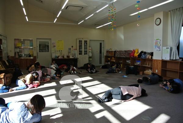 """""""Đột nhập"""" lớp dạy cách chơi với con cực hay của mẹ Nhật tại Tokyo 3"""