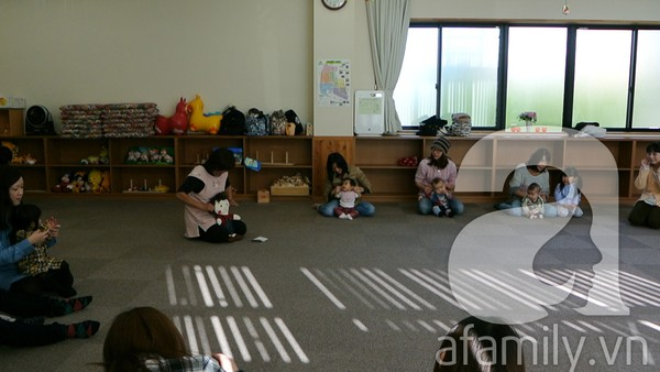 """""""Đột nhập"""" lớp dạy cách chơi với con cực hay của mẹ Nhật tại Tokyo 6"""