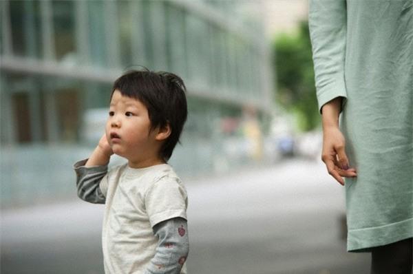 Những điều bạn nên học mẹ đơn thân khi chăm sóc con 2