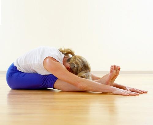 6 động tác yoga làm giảm đau lưng - 5