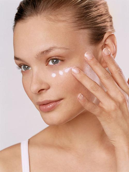 5 mẹo make up giúp bạn trẻ hơn 10 tuổi