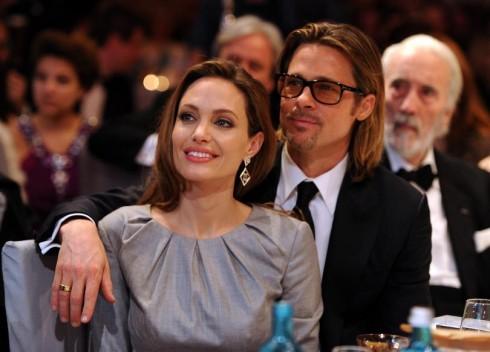 Angelina Jolie va Brad Pitt chinh thuc duong ai nay di 1