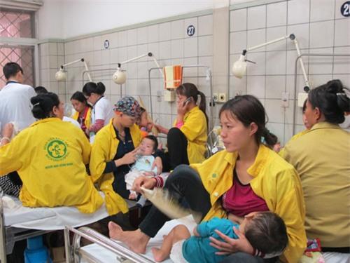 Phòng bệnh cho trẻ khi thời tiết chuyển mùa