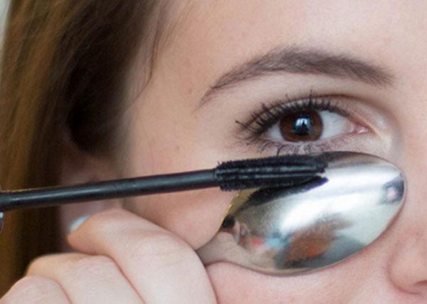 12 mẹo giúp bạn chuốt mascara hoàn hảo
