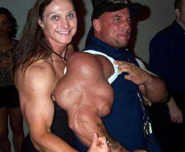 """Choáng với thân hình biến dạng khủng khiếp của những người """"cuồng"""" gym 17"""