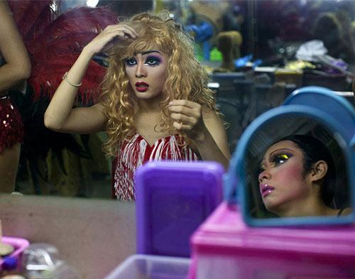 Du lịch Thái: Vũ công chuyển giới làm gì sau cánh gà? - 5