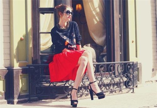 Váy xòe nào đang 'tung hoành' street style? - 10