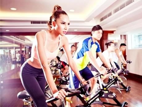 """Tập gym để rèn luyện sức khỏe, nhưng nhiều bạn lại coi đây là địa điểm để """"hò hẹn"""" (Ảnh minh họa)"""