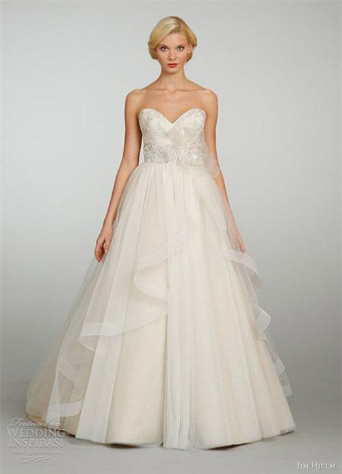 10 váy cưới lý tưởng cho nàng ngực nhỏ, eo to - 7
