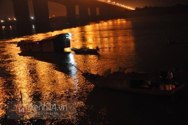 Đêm thứ 6 nằm dưới lòng sông, đội cứu hộ vẫn chưa tìm thấy thi thể chị Huyền 2