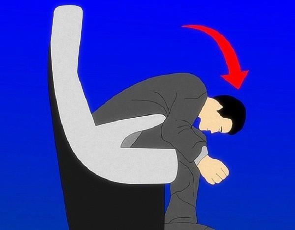 """Phản ứng cơ thể khi máy bay rơi và cách """"thoát thân"""" 8"""