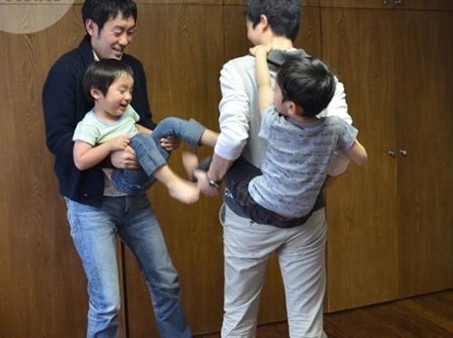 Học cách bố mẹ Nhật phân xử khi các con cãi nhau 1