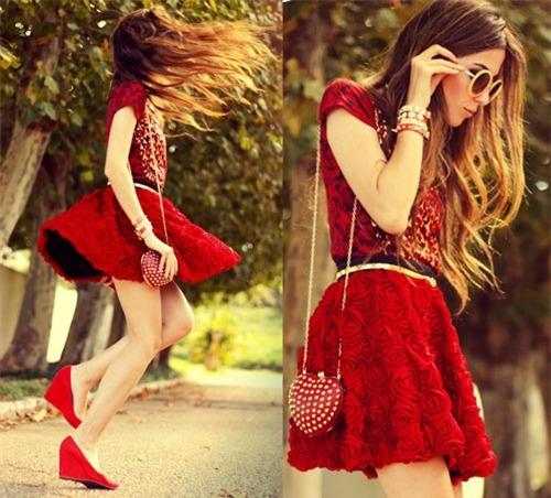 Váy xòe nào đang 'tung hoành' street style? - 12