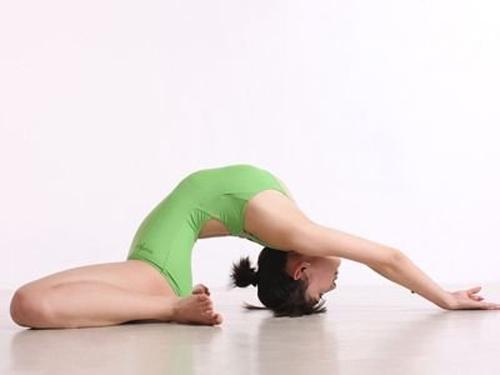 7 động tác yoga cho cặp đùi thon chắc - 6